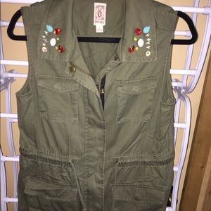EUC Ladies vest